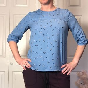Gorgeous Blue Floral Print Pullover Blouse 3/4 Sleeve
